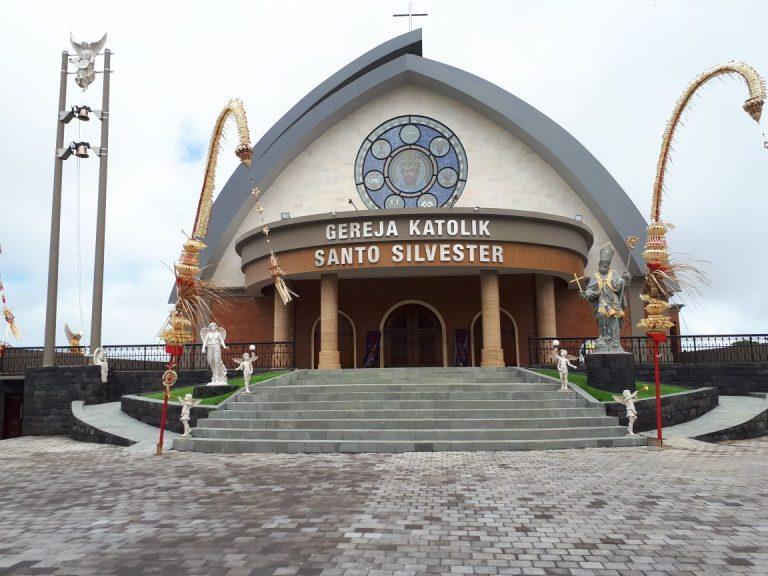 gereja katolik santo silvester - pecatu bali - indonesia